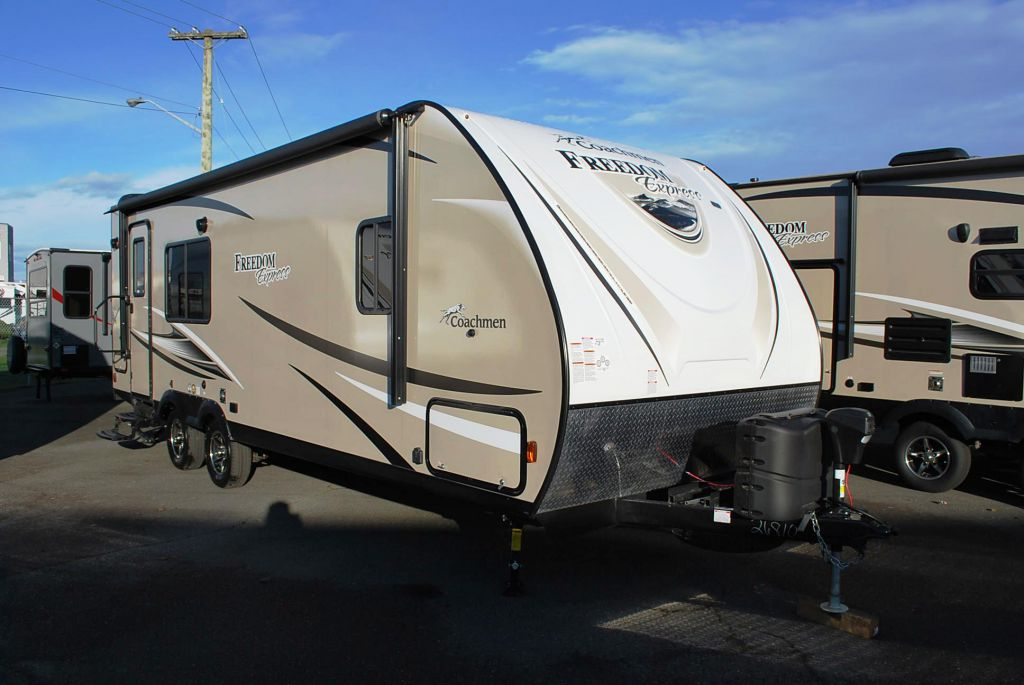 2017 COACHMEN FREEDOM EXPRESS 246 RKS