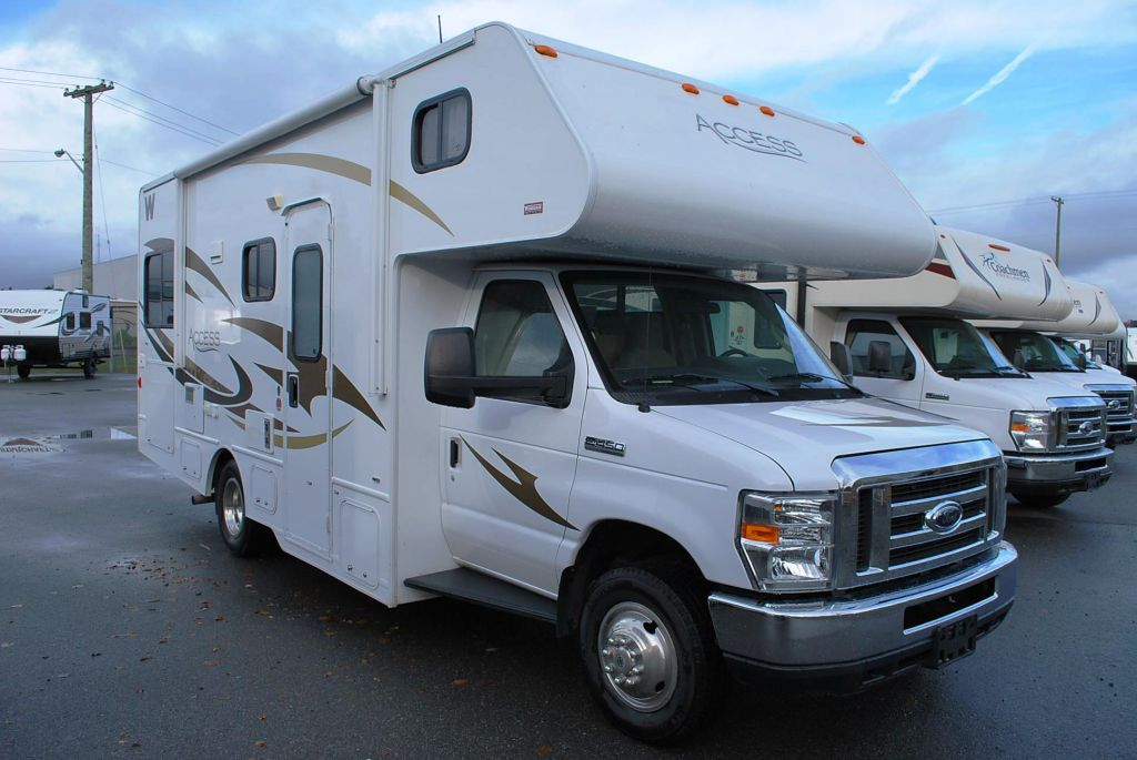 2013 WINNEBAGO ACCESS 24 V