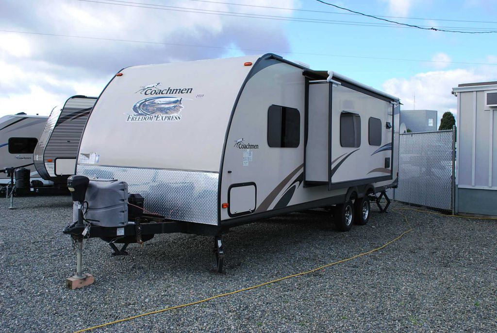 2014 FOREST RIVER FREEDOM EXPRESS 269 BHS