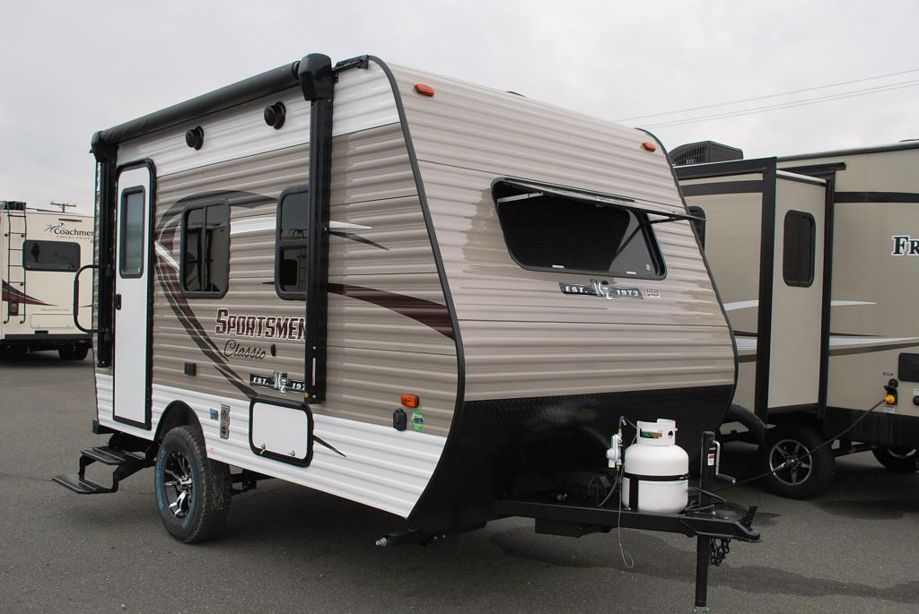 2018 KZ RV LTD. SPORTSMEN CLASSIC 130RB