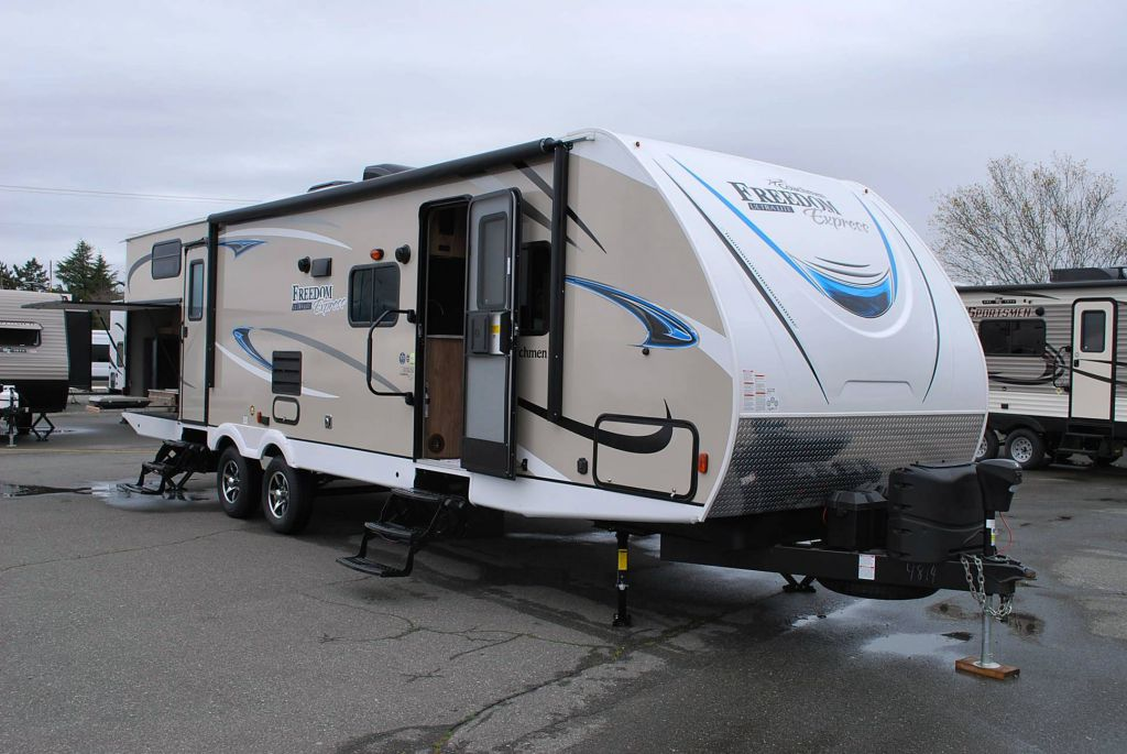 2018 COACHMEN FREEDOM EXPRESS 310BHDS