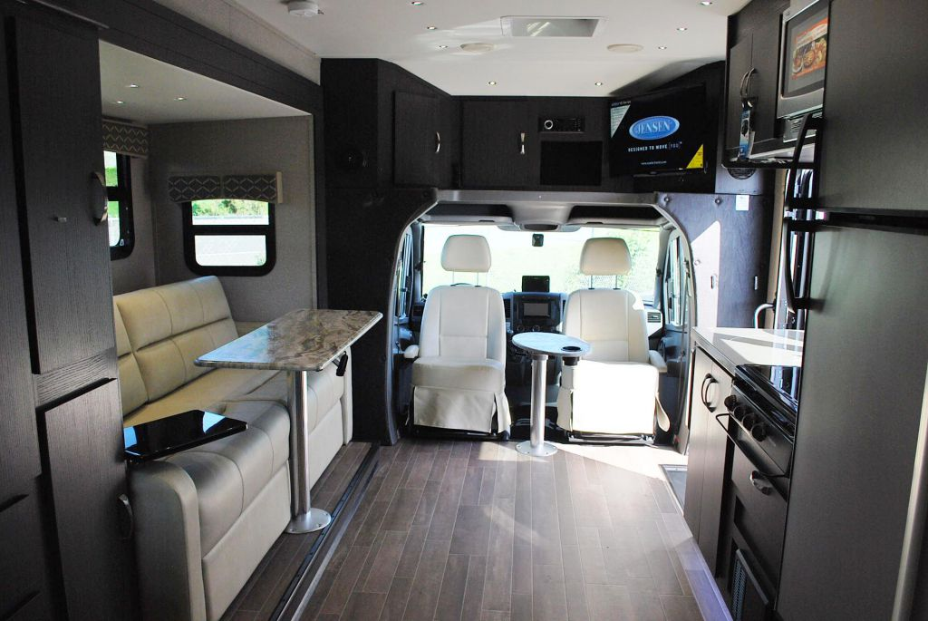New And Used Rv Motorhomes For Sale Rvhotline Canada Rv