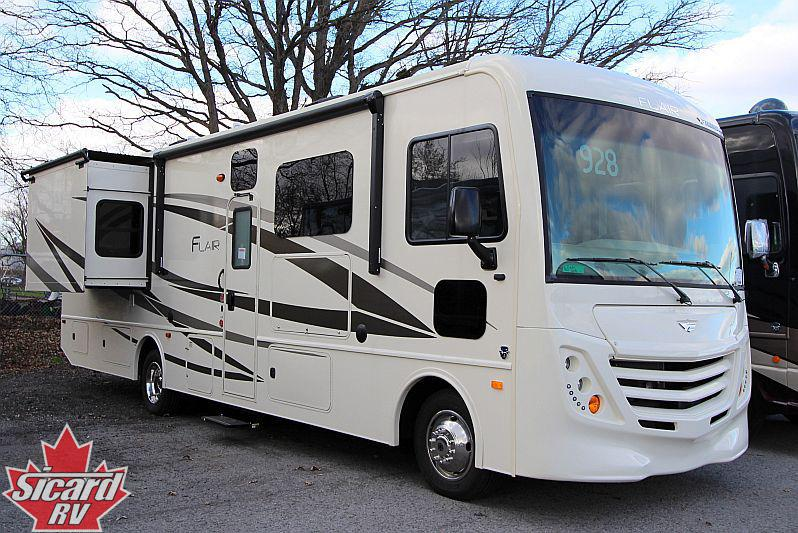 2019 FLEETWOOD FLAIR 32S