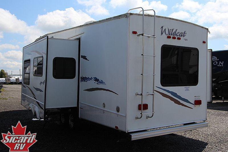 2006 FOREST RIVER WILDCAT 32QBBS