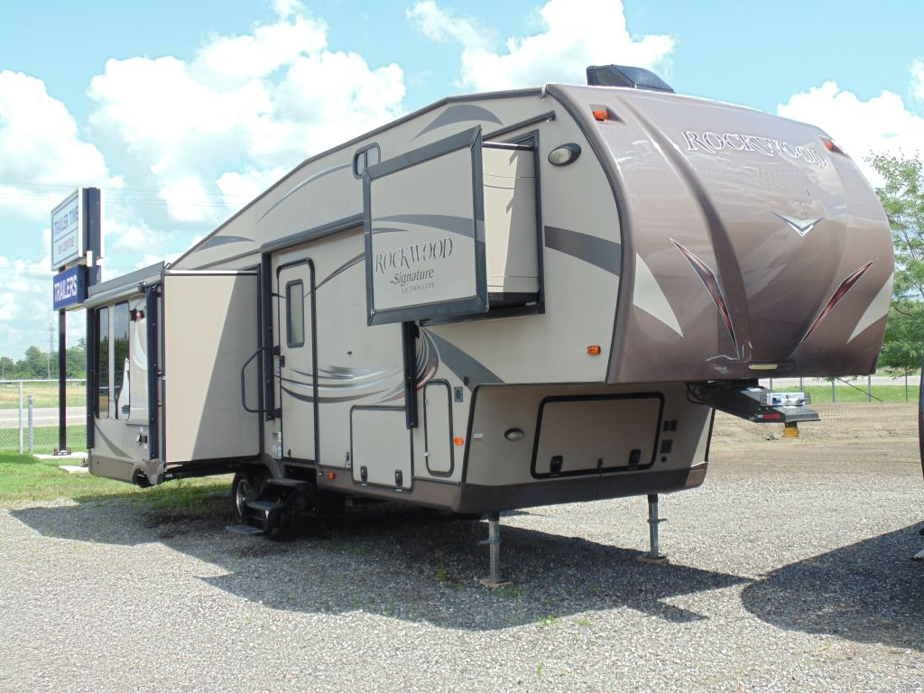 2015 FOREST RIVER ROCKWOOD SIGNATURE 8289WS