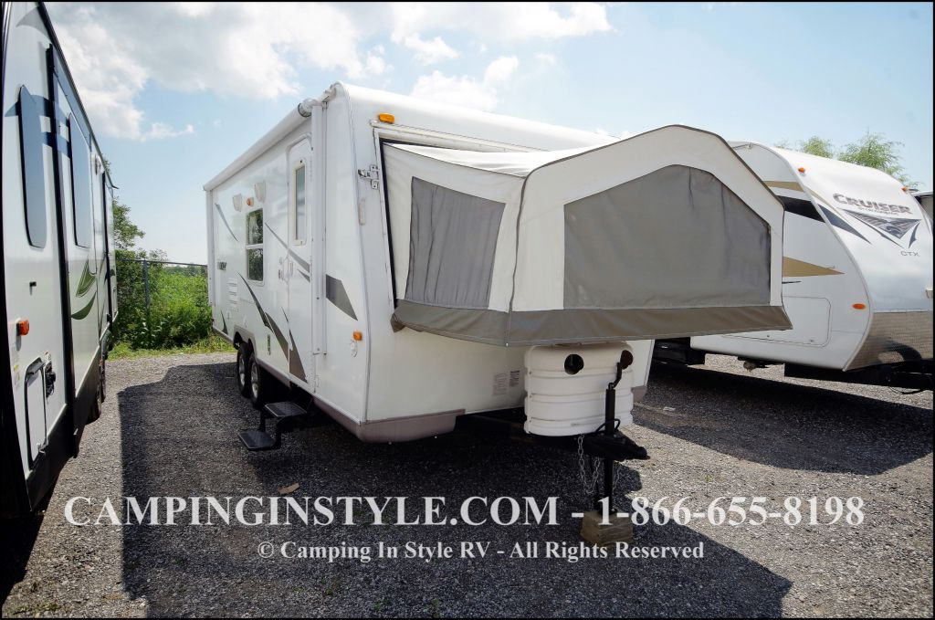 2009 FOREST RIVER ROCKWOOD ROO 23SS