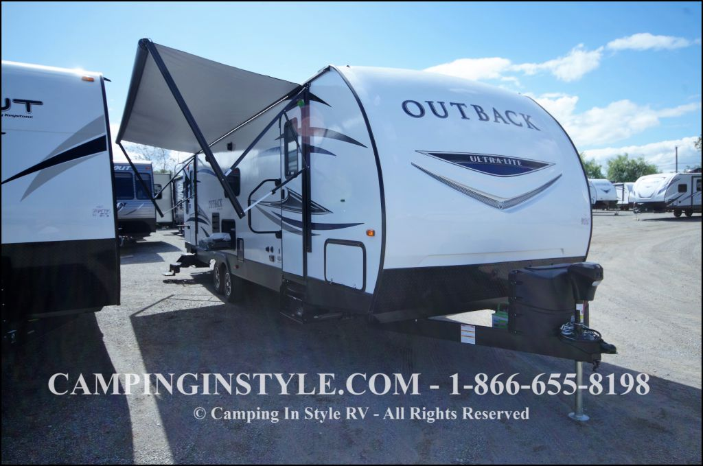 2018 KEYSTONE OUTBACK ULTRA 299URL (couples)