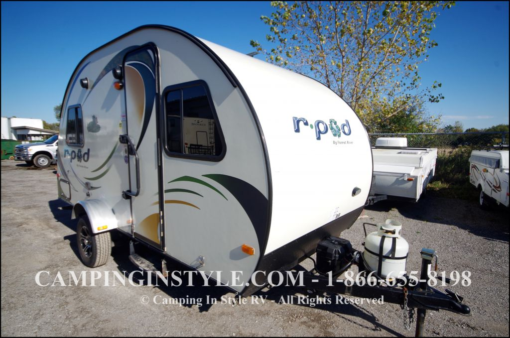 2014 FOREST RIVER R-POD 171 (couples)