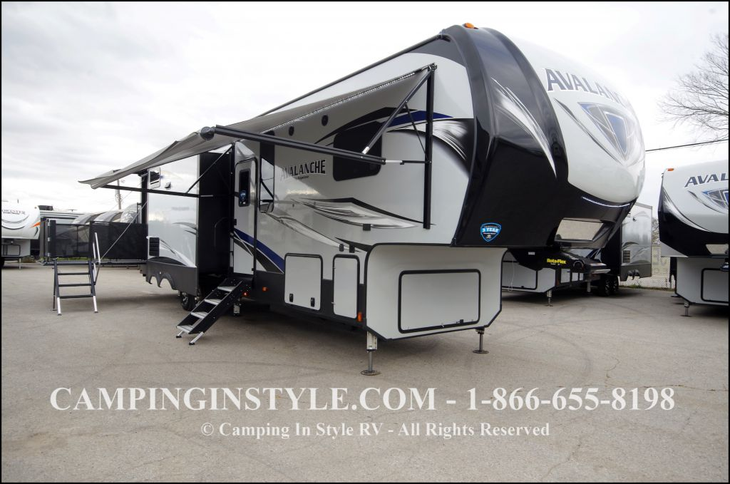2018 KEYSTONE AVALANCHE 385BG (bunks)