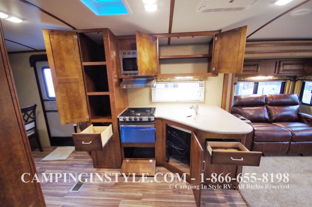 2016 KEYSTONE OUTBACK 298RE (couples) DEMO - Image 7