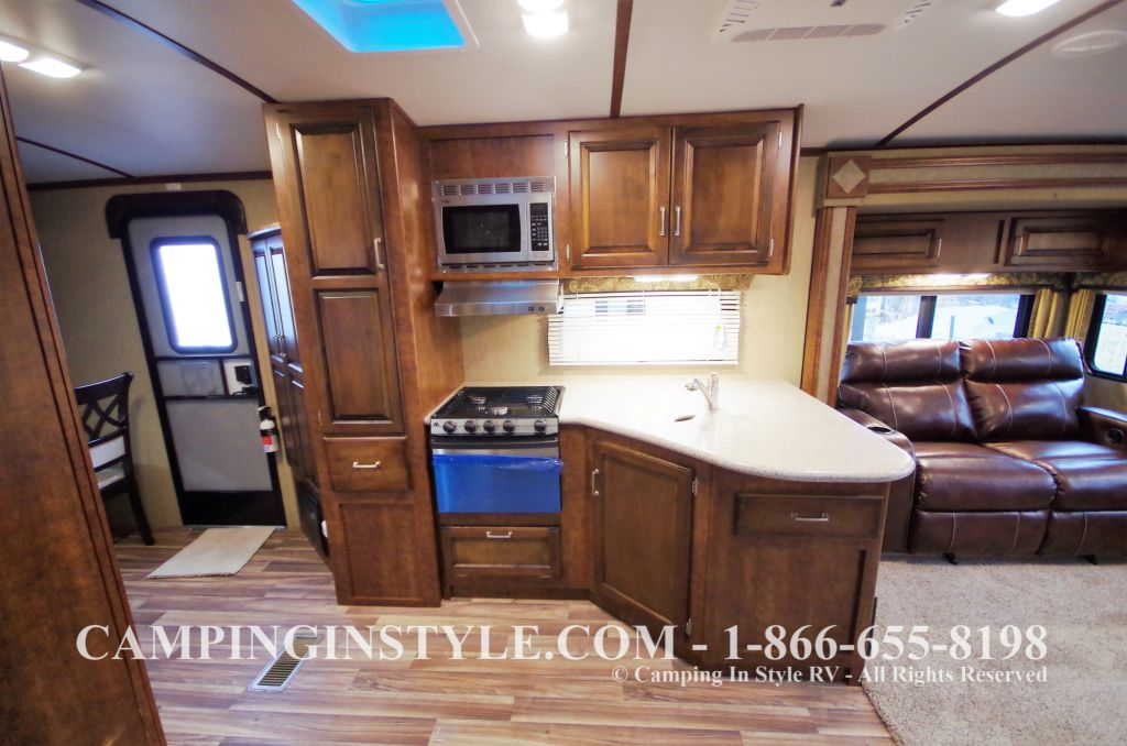 2016 KEYSTONE OUTBACK 298RE (couples) DEMO - Image 6