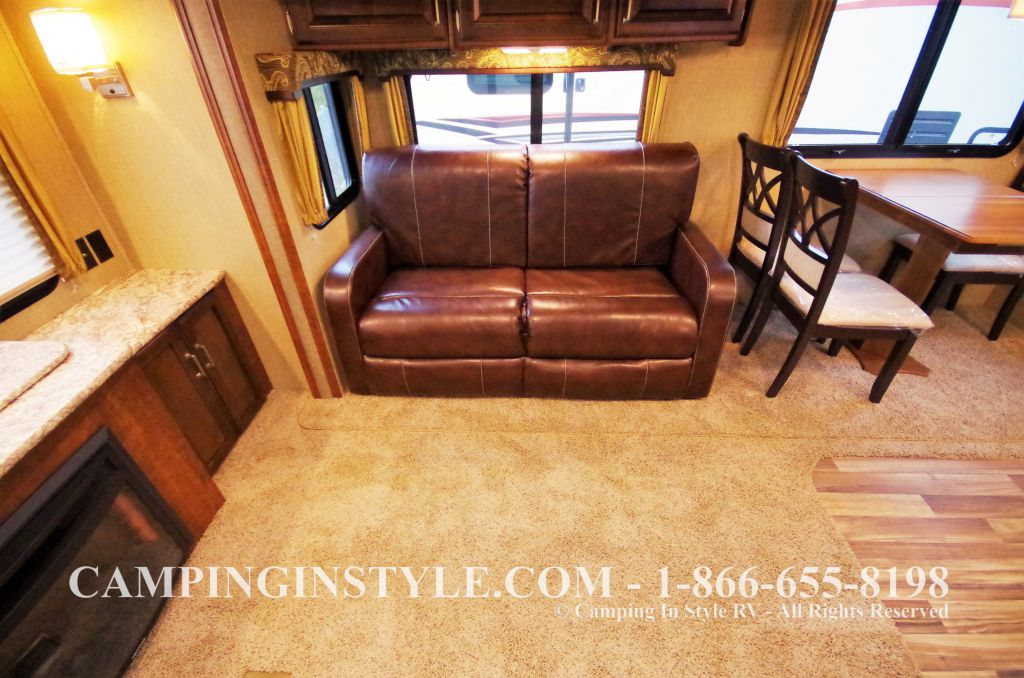 2016 KEYSTONE OUTBACK 298RE (couples) DEMO - Image 13
