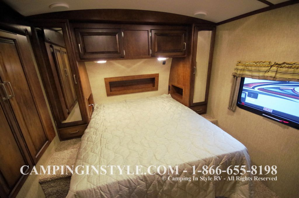 2016 KEYSTONE OUTBACK 298RE (couples) DEMO - Image 19