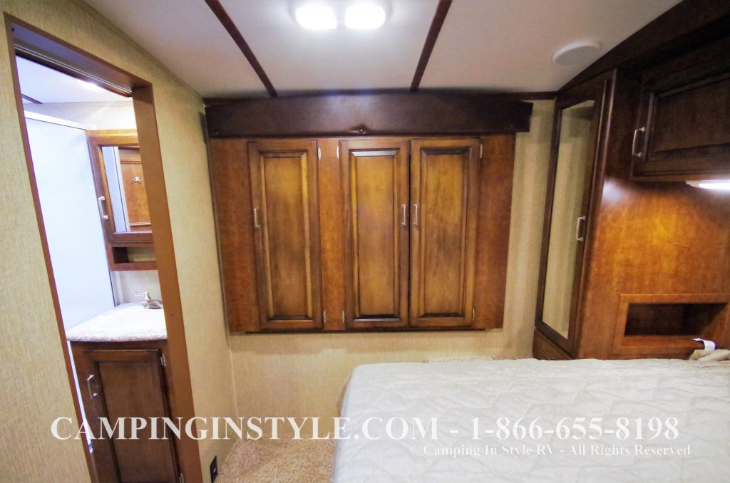 2016 KEYSTONE OUTBACK 298RE (couples) DEMO - Image 20