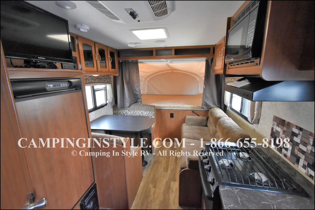 2017 JAYCO JAY FEATHER X-17Z (bunks) - Image 3