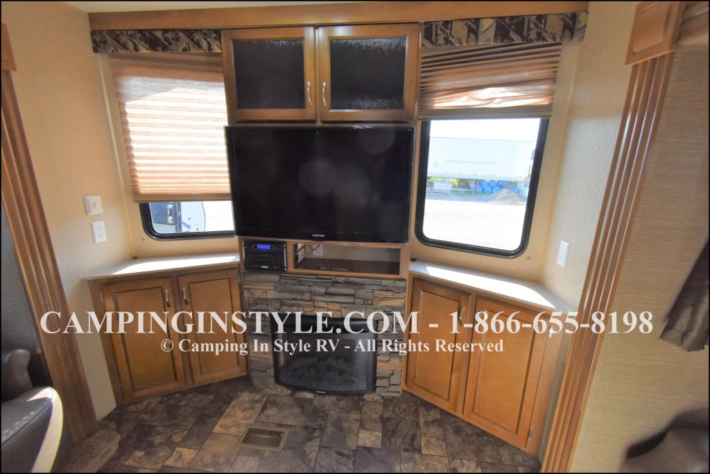 2015 COACHMEN CATALINA 39MKTS (couples) - Image 7