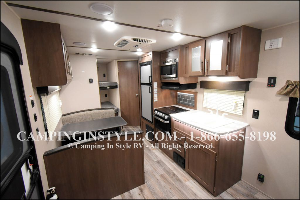 2019 KEYSTONE HIDEOUT LHS 212LHS (bunks) - Image 3