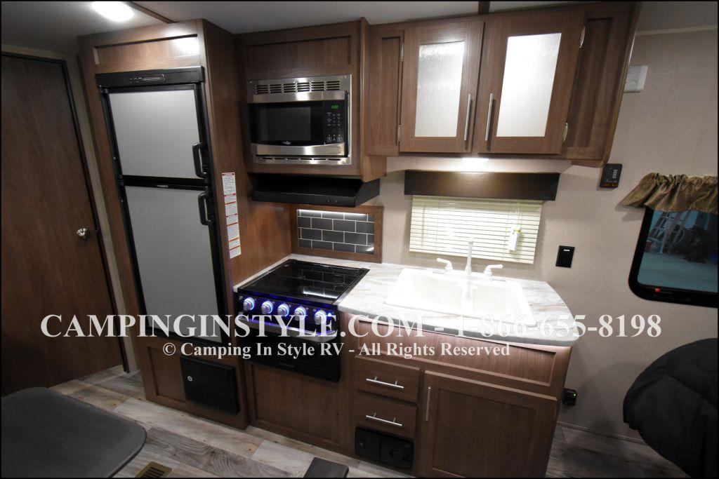 2019 KEYSTONE HIDEOUT LHS 212LHS (bunks) - Image 5
