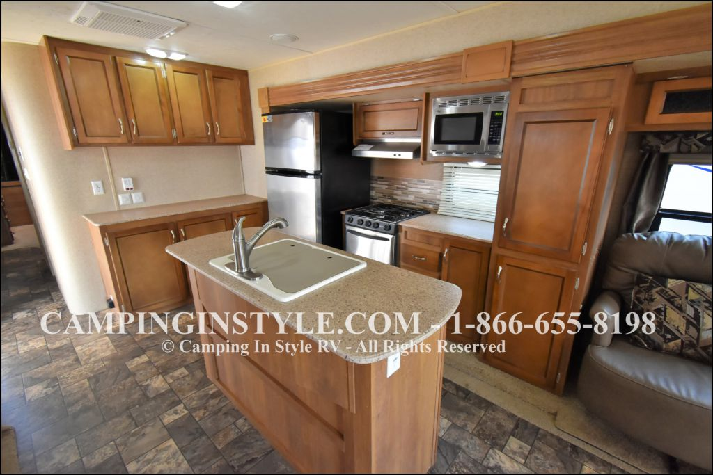 2015 COACHMEN CATALINA 39MKTS (couples) - Image 9