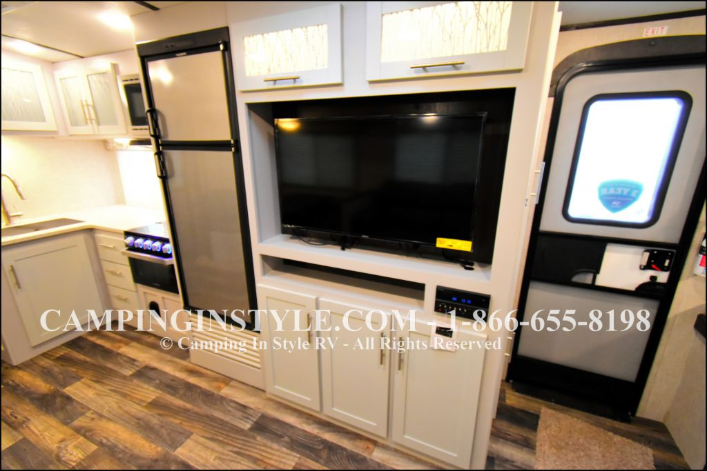 2019 KEYSTONE PREMIER 29BHPR (bunks) - Image 9