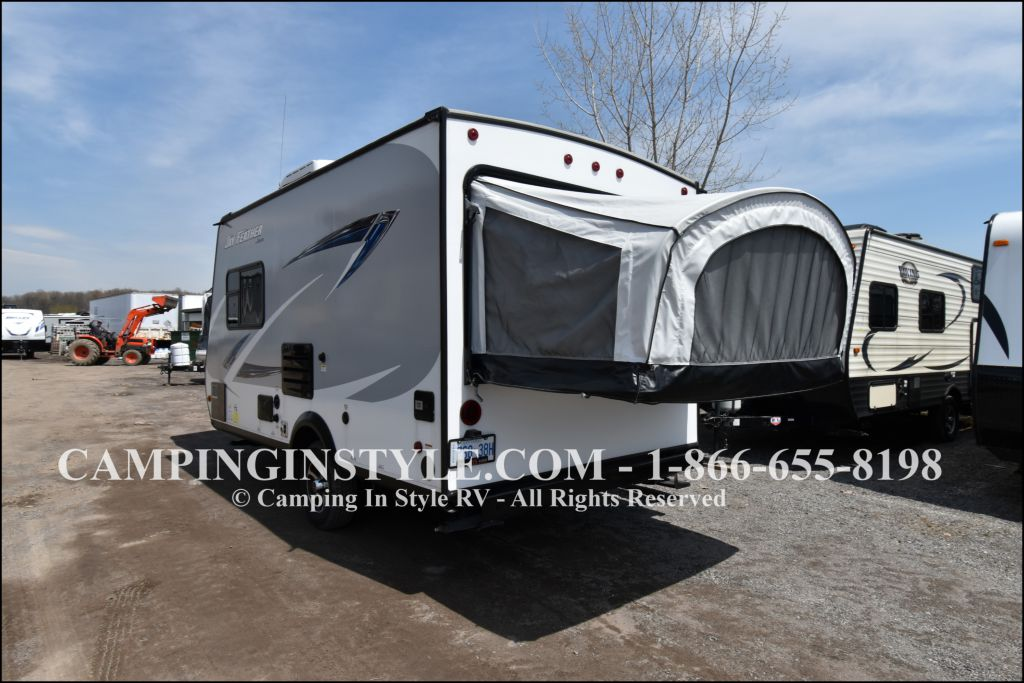 2017 JAYCO JAY FEATHER X-17Z (bunks) - Image 11