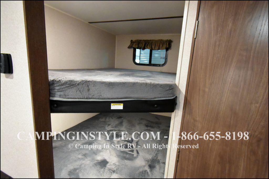 2019 KEYSTONE HIDEOUT LHS 212LHS (bunks) - Image 7