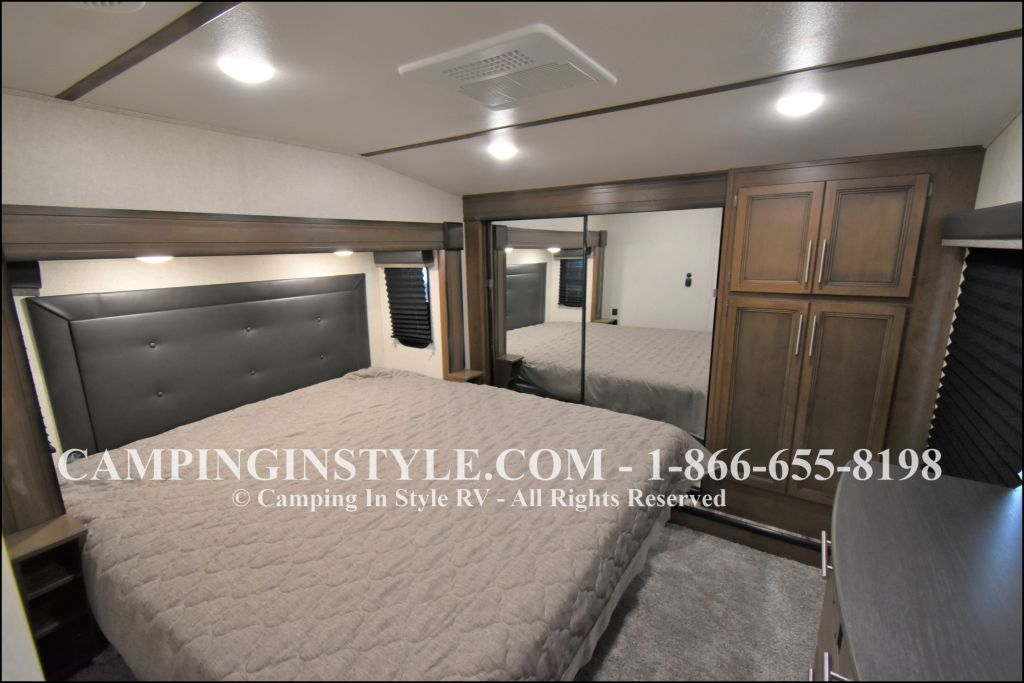 2020 KEYSTONE COUGAR 315RLS (couples) - Image 12