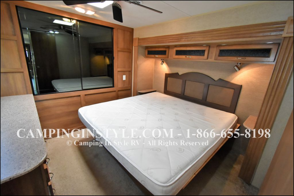 2015 COACHMEN CATALINA 39MKTS (couples) - Image 13
