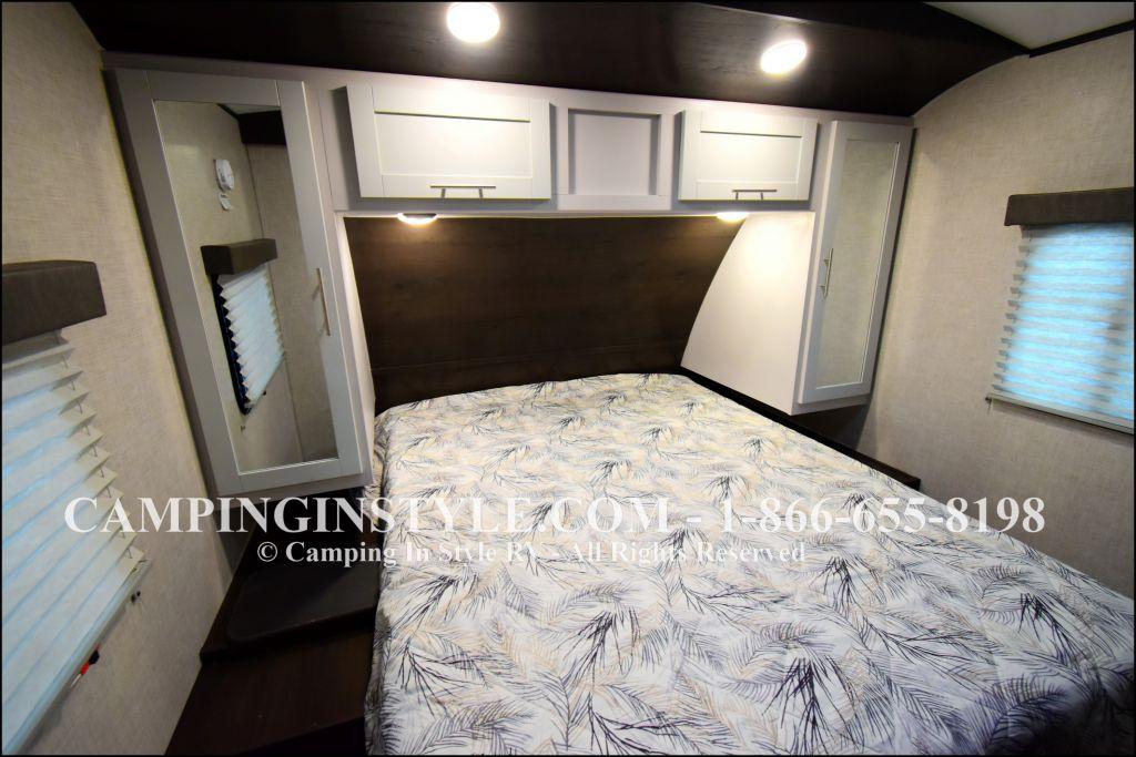 2019 KEYSTONE PREMIER 29BHPR (bunks) - Image 12