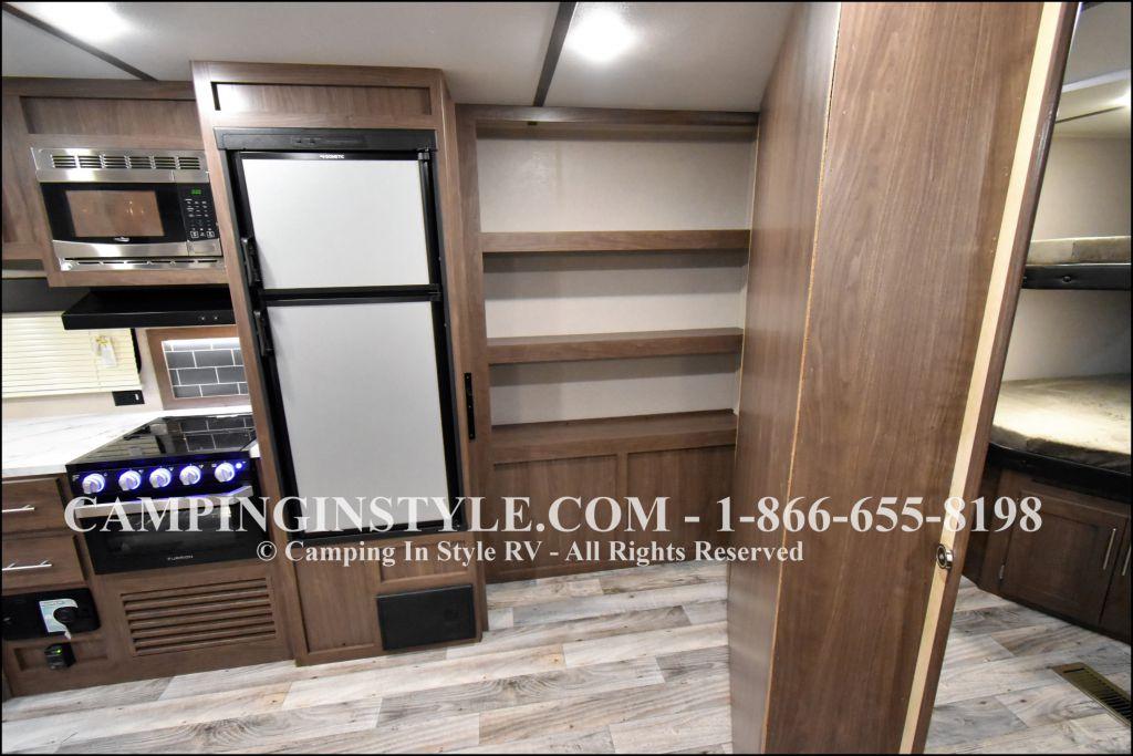 2019 KEYSTONE HIDEOUT 29DFS (bunks) - Image 9