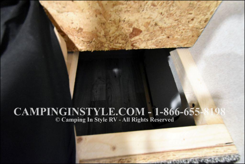 2019 KEYSTONE HIDEOUT LHS 338LHS (bunks) - Image 13