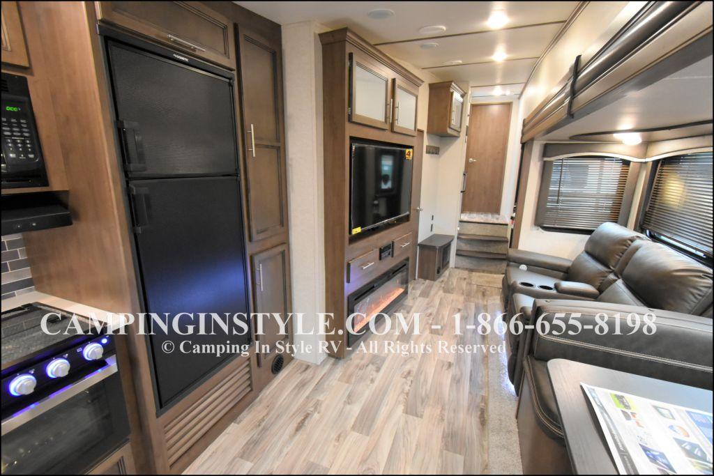 2020 KEYSTONE RV COUGAR HALF-TON 29MBS (bunks) - Image 4
