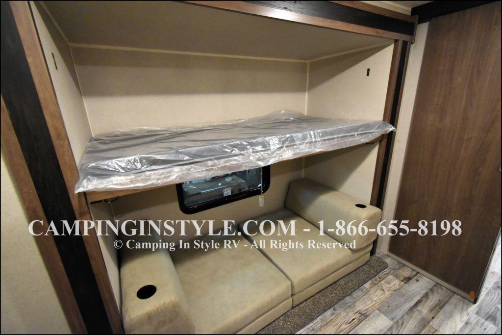 2019 KEYSTONE HIDEOUT LHS 318LHS (bunks) - Image 10