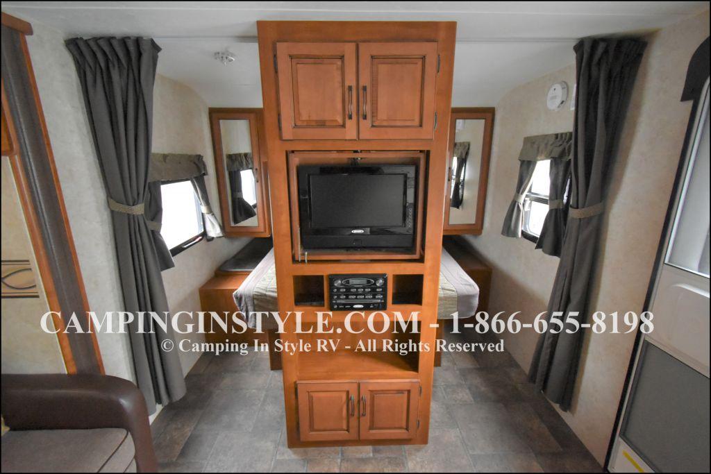 2012 KEYSTONE RV BULLET 286QBS (bunks) - Image 6