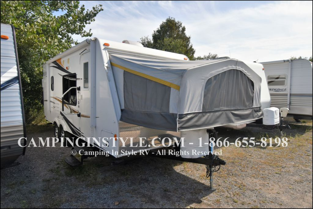 2012 PALOMINO STAMPEDE S238 (bunks)