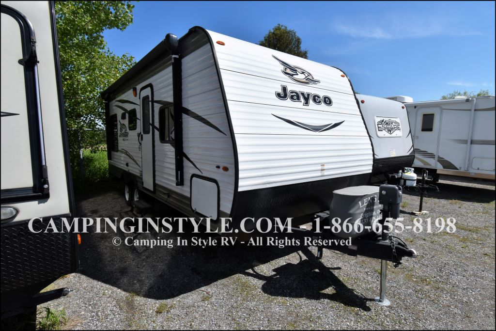 2017 JAYCO JAY FEATHER 212QBW (couples)