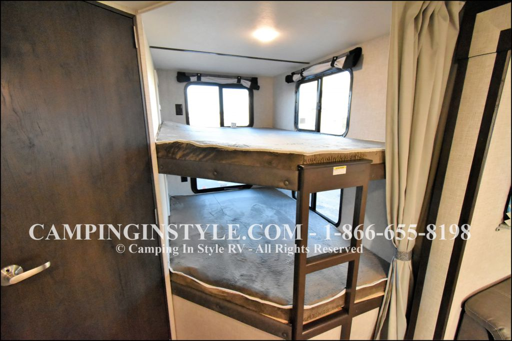 2019 KEYSTONE BULLET 290BHS (bunks) - Image 8