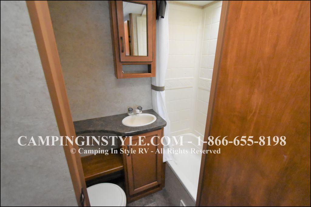 2012 KEYSTONE RV BULLET 286QBS (bunks) - Image 10
