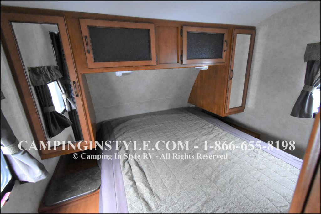 2012 KEYSTONE RV BULLET 286QBS (bunks) - Image 11