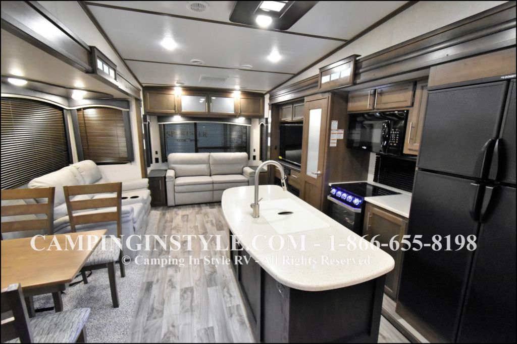 2020 KEYSTONE COUGAR 315RLS (couples) - Image 3