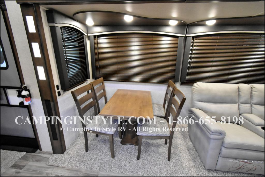 2020 KEYSTONE COUGAR 315RLS (couples) - Image 5