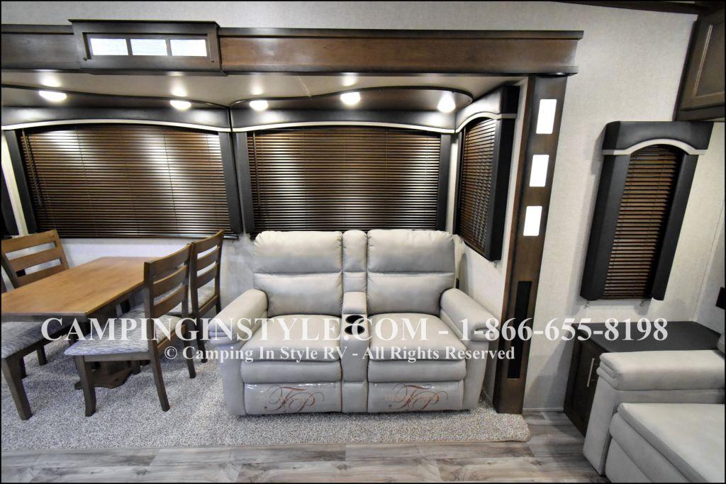 2019 KEYSTONE COUGAR 315RLS (couples) - Image 5