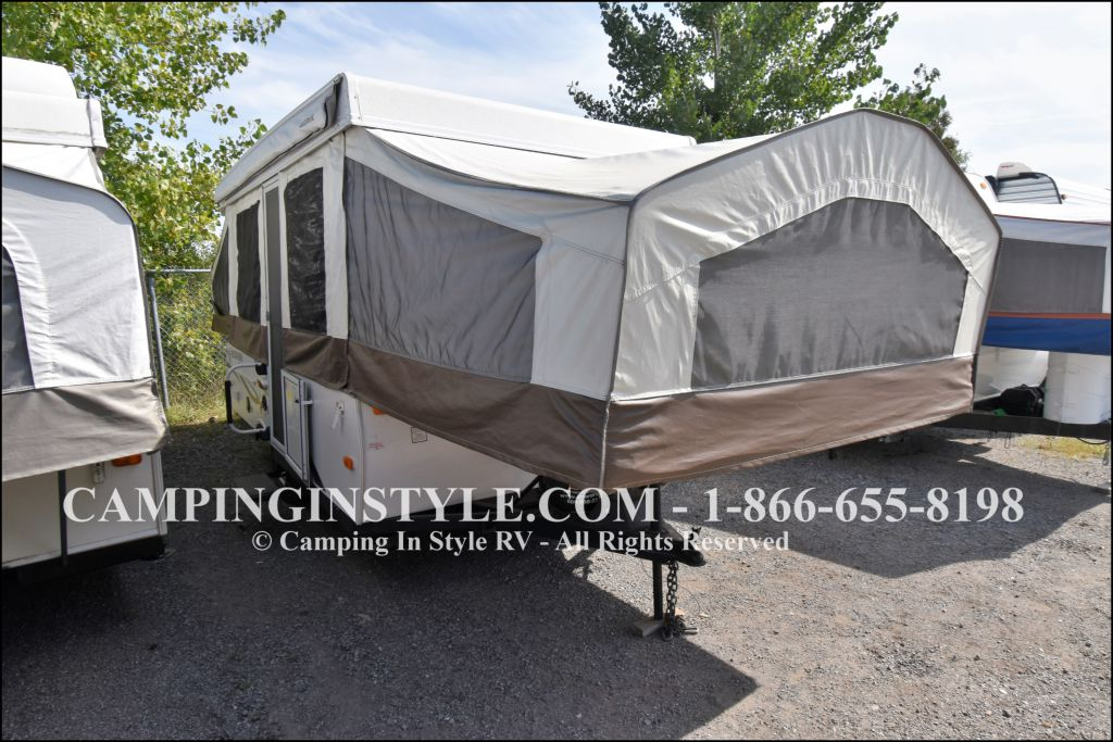 2013 FOREST RIVER ROCKWOOD 2318G (bunks)