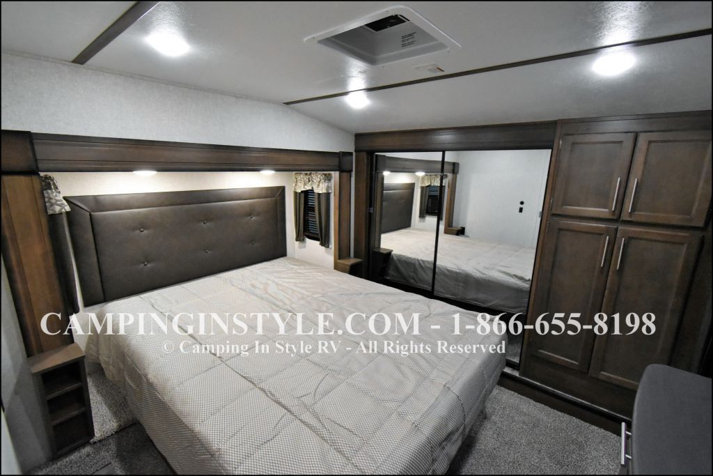2020 KEYSTONE COUGAR 315RLS (couples) - Image 13