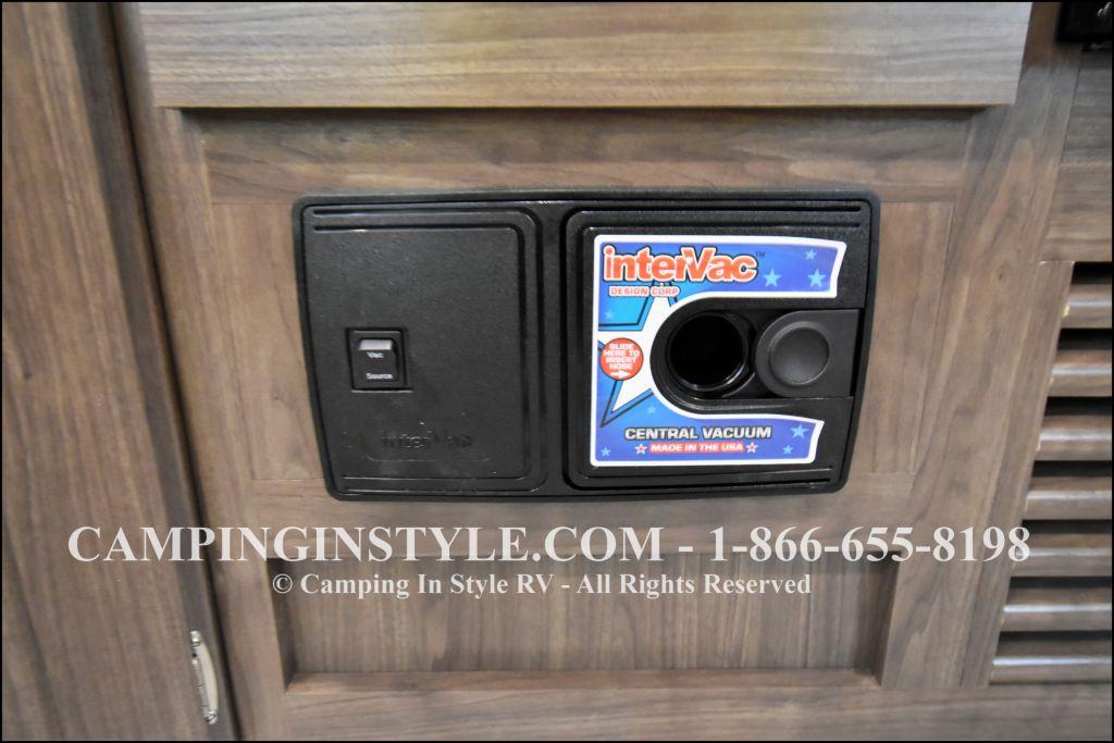 2019 KEYSTONE HIDEOUT LHS 274LHS (bunks) - Image 6
