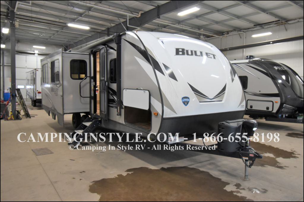 2020 KEYSTONE RV BULLET 258RKS (couples) - Image 1