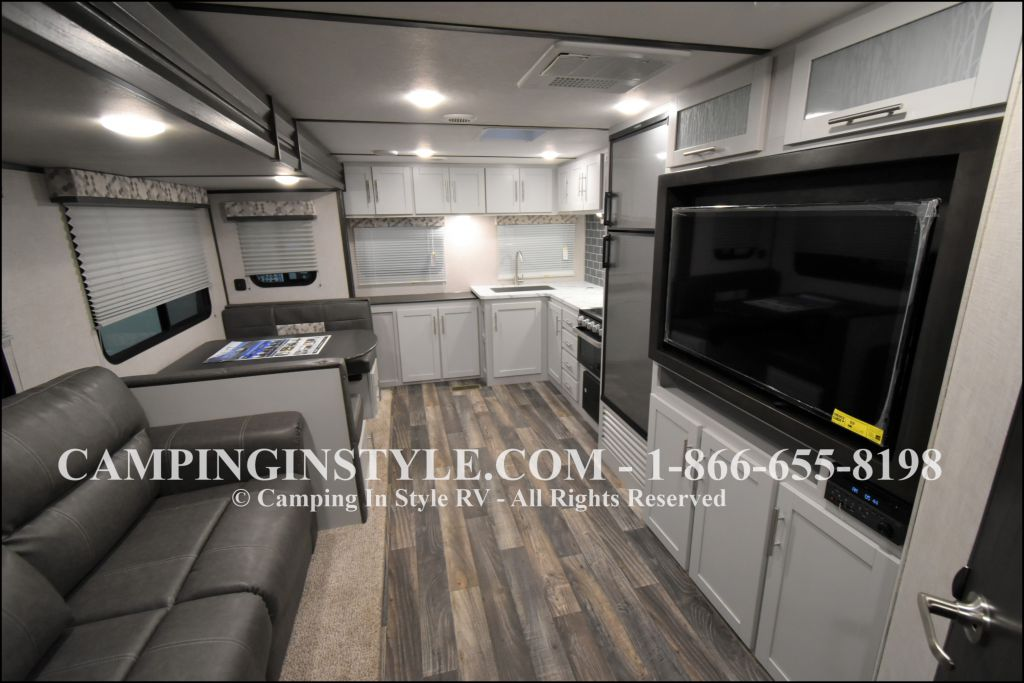 2020 KEYSTONE RV BULLET 258RKS (couples) - Image 3