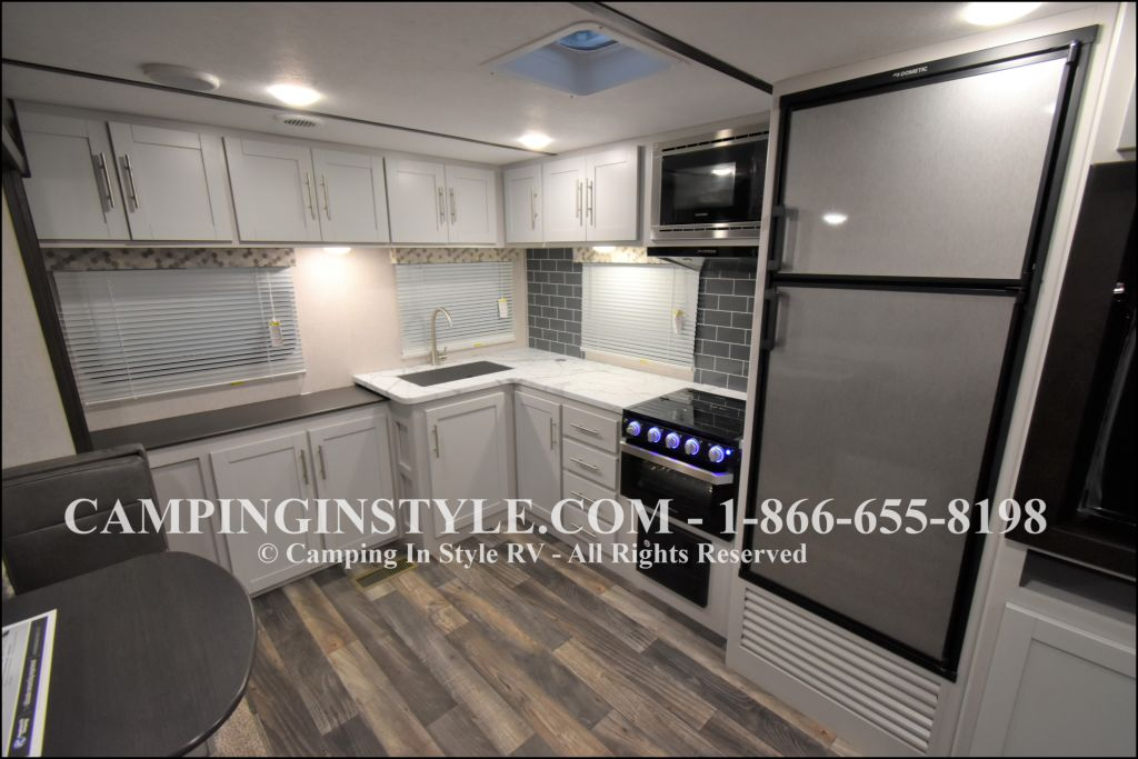 2020 KEYSTONE RV BULLET 258RKS (couples) - Image 7