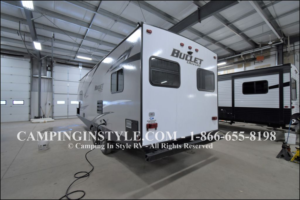 2020 KEYSTONE RV BULLET 258RKS (couples) - Image 15