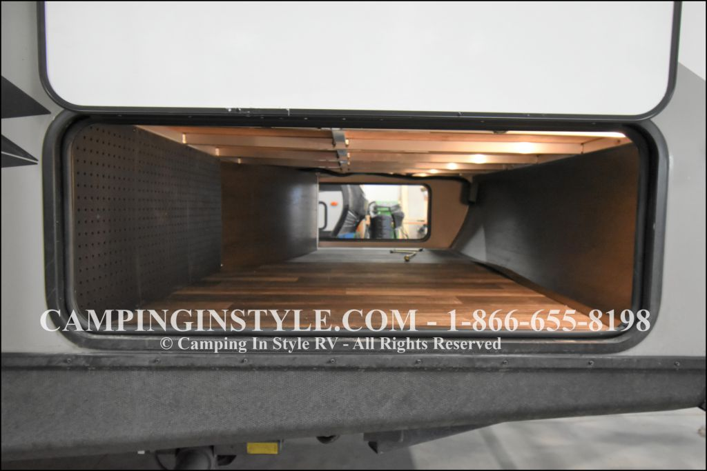 2020 KEYSTONE RV BULLET 258RKS (couples) - Image 18